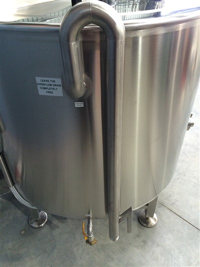 Jacketed stainless steel tank Batch Pasteuriser 500lt Front view by Barry Brown & Sons in Victoria