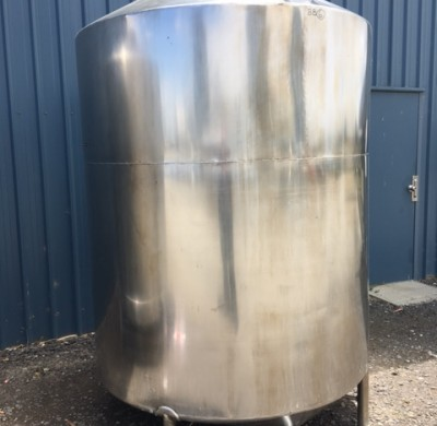 3000 litre stainless steel wine tank full view by Barry Brown & Sons in Victoria