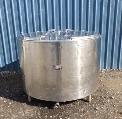 1550lt Insulated Stainless Steel Tank Front View by Barry Brown & Sons in Victoria