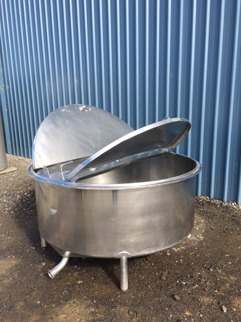 1100lt single skin stainless steel Tank by Barry Brown & Sons in Victoria