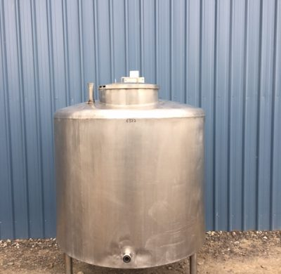 1,150lt Insulated Stainless Steel Tank Full View by Barry Brown & Sons in Victoria