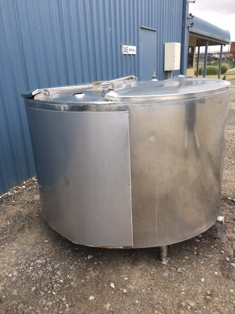 1600lt Insulated Stainless Steel Tank For Sale by Barry Brown & Sons in Victoria