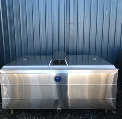 1150lt Insulated Jacketed Stainless Steel Tank Lids Closed Front by Barry Brown & Sons in Victoria