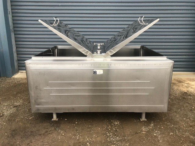 1850lt Jacketed Stainless Steel Tank Lids by Barry Brown & Sons in Victoria