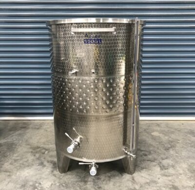 1500lt jacketed stainless steel tank front view by barry brown & sons in victoria