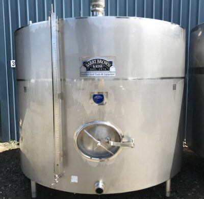 6,700lt Insulated Stainless Steel Tank Front View by Barry Brown & Sons in Victoria